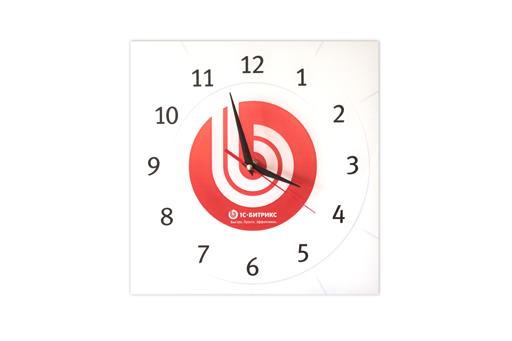 часы с логотипом компании: